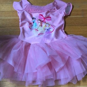 Adorable pink princess dress from Disney store 5/6